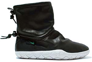 nike wmns air chukka moc [black/pine green-light bone] (311037-031) ナイキ エアチャッカモック 「ブラック」