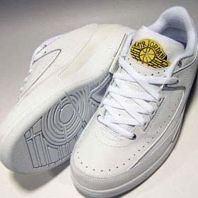 NIKE AIRJORDAN2 RETRO LOW [WHITE/METALIC SILVER-V MAIZE] 309837-102