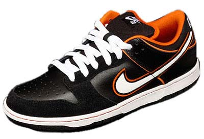 NIKE DUNK LOW PRO SB [BLACK/WHITE-ORANGE BLAZE]