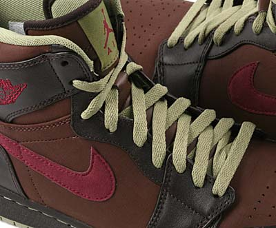 NIKE AIR JORDAN 1 RETRO [CHOCOLATE/VELVET BROWN-SAGE-GARNET] 写真1