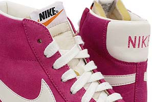 NIKE BLAZER HI VNTG [VOLTAGE CHERRY/SAIL] 344344-602 写真1