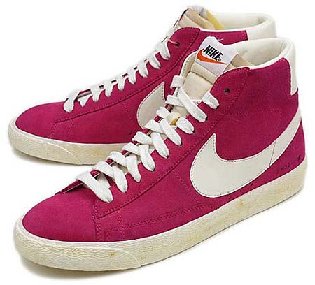 NIKE BLAZER HI VNTG [VOLTAGE CHERRY/SAIL]