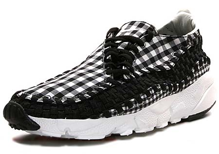 NIKE NIKE FOOTSCAPE WOVEN FREEMOTION [BLACK/SUMMIT WHITE]