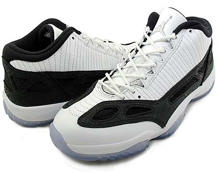 NIKE NIKE AIR JORDAN 11 RETRO LOW [WHITE/METALLIC SILVER/BLACK] 306008-100 画像