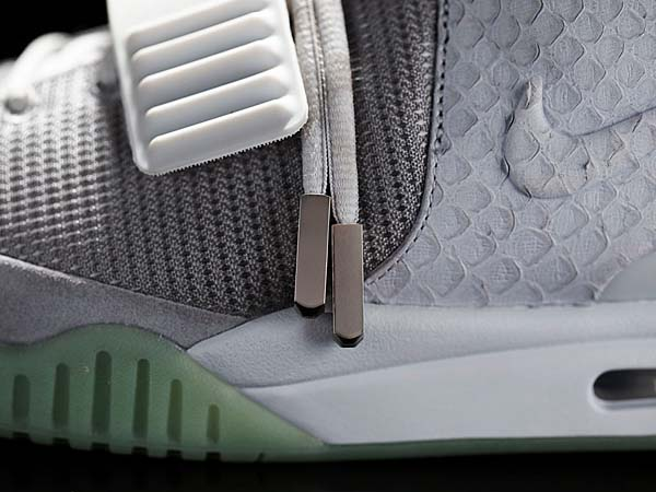 NIKE AIR YEEZY 2 [WOLF GREY/PURE PLATINUM] 508214-010