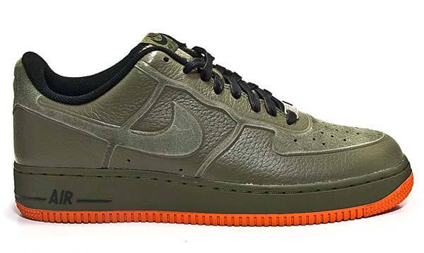 NIKE AIR FORCE 1 PRM SKIVE TEC VT [MEDIUM OLIVE/VAC ORANGE] 537335-200