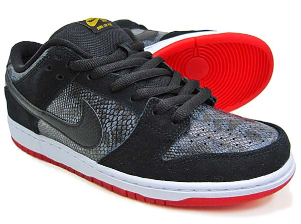 NIKE SB DUNK LOW PREMIUM SB [BLACK/BLACK-UNIVERSITY RED] 313170-017