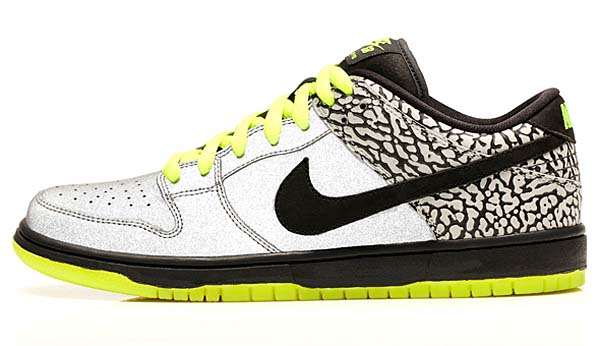NIKE DUNK LOW PREMIUM SB [METALLIC SILVER/BLACK-VOLT] 504750-017