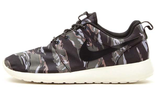 NIKE ROSHE RUN [BLACK/BLACK-SAIL/MERCURY GREY] 511881-002