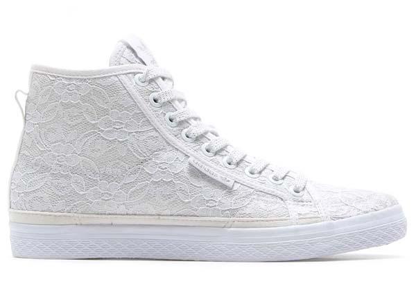 adidas Originals for atmos HONEY MID LACE W [RUNNING WHITE/RUNNING WHITE/RUNNING WHITE] M18710 写真1