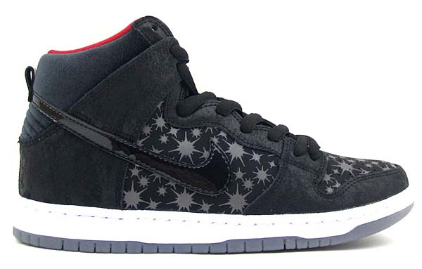 NIKE SB x BROOKLYN PROJECTS DUNK HIGH PREMIUM SB PAPARAZZI [BLACK / BLACK-VALIANT RED] 313171-025