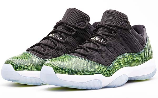 NIKE AIR JORDAN 11 RETRO LOW [BLACK/NIGHTSHADE/WHITE/VOLT ICE] 528895-033