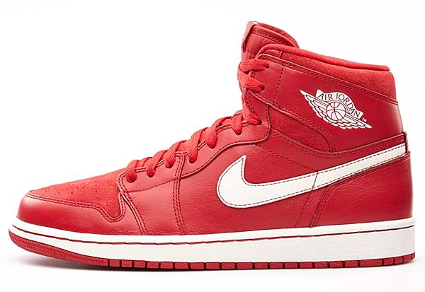 NIKE AIR JORDAN 1 RETRO HIGH OG [GYM RED / SAIL] 555088-601