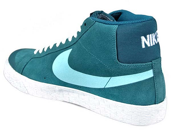 NIKE BLAZER SB PREMIUM SE [NIGHT FACTOR/GLACIER ICE-WHITE] 631042-301