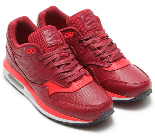 NIKE AIR MAX LUNAR 1 DELUXE [TEAM RED / TEAM RED-CHLLNG RED] 652977-600