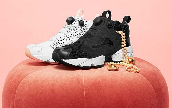 Reebok INSTAPUMP FURY NAKED DYNASTY PACK [BLACK / WHITE / GOLD] V70166