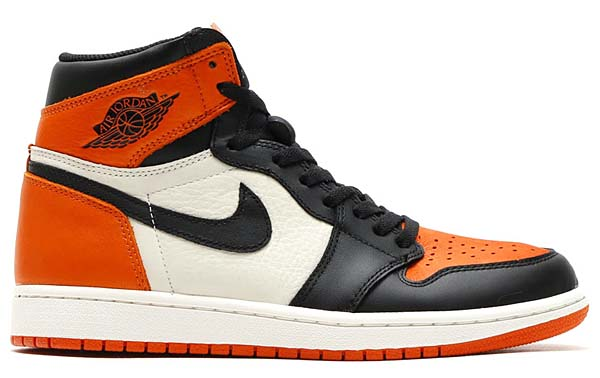 NIKE AIR JORDAN 1 RETRO HIGH OG [BLACK / STARFISH-SAIL] 555088-005