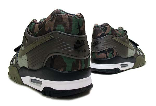 NIKE AIR TRAINER 3 CAMO [JADE STONE / BLACK-WHITE-MEDIUM OLIVE] 705426-300