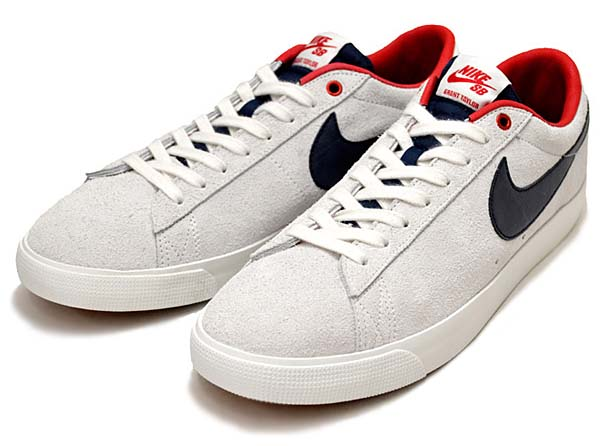 NIKE SB BLAZER LOW GT [SUMMIT WHITE / BLACK / GUM BROWN] 704939-146