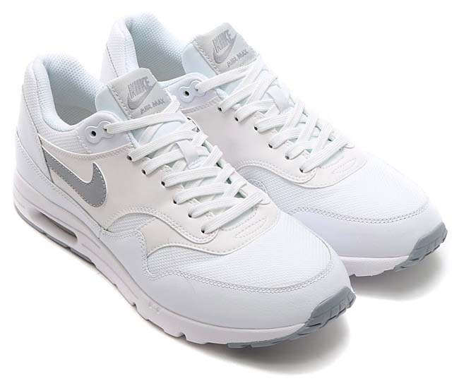 NIKE AIR MAX 1 ULTRA ESSENTIALS [WHITE / WOLF GREY-PURE PLATINUM-METALLIC SILVER] 704993-102