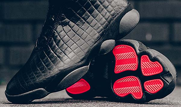 NIKE AIR JORDAN HORIZON PREMIUM [Black / Dark Grey-Black-Infrared 23] 822333-010