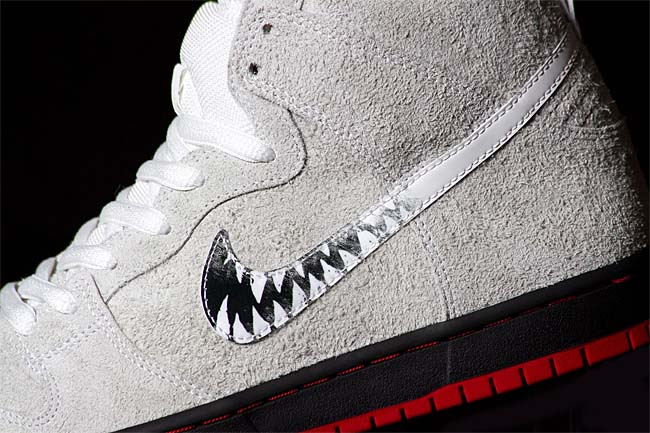 NIKE SB x BLACK SHEEP DUNK HIGH TRD QS A WOLF IN SHEEP'S CLOTHING [SUMMIT WHITE / SUMMIT WHITE-BLACK] 881758-110