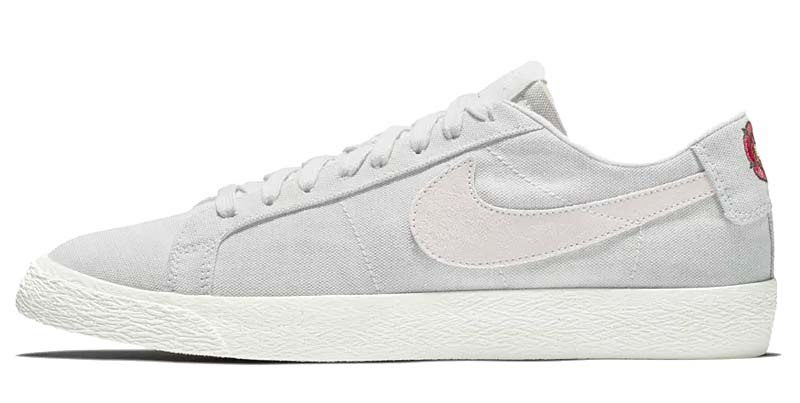 NIKE SB ZOOM BLAZER LOW CNVS DECON