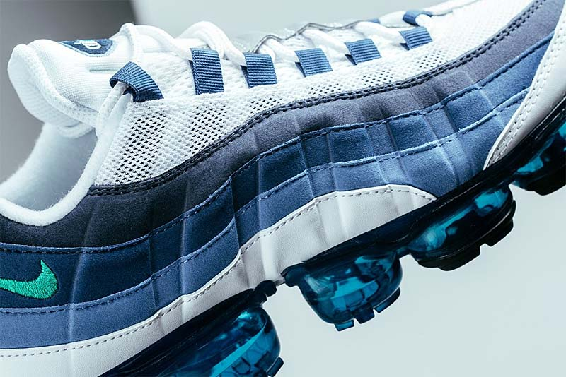 NIKE AIR VAPORMAX 95 [WHITE / NEW GREEN-FRENCH BLUE-LAKE BLUE-OBSIDIAN] AJ7292-100