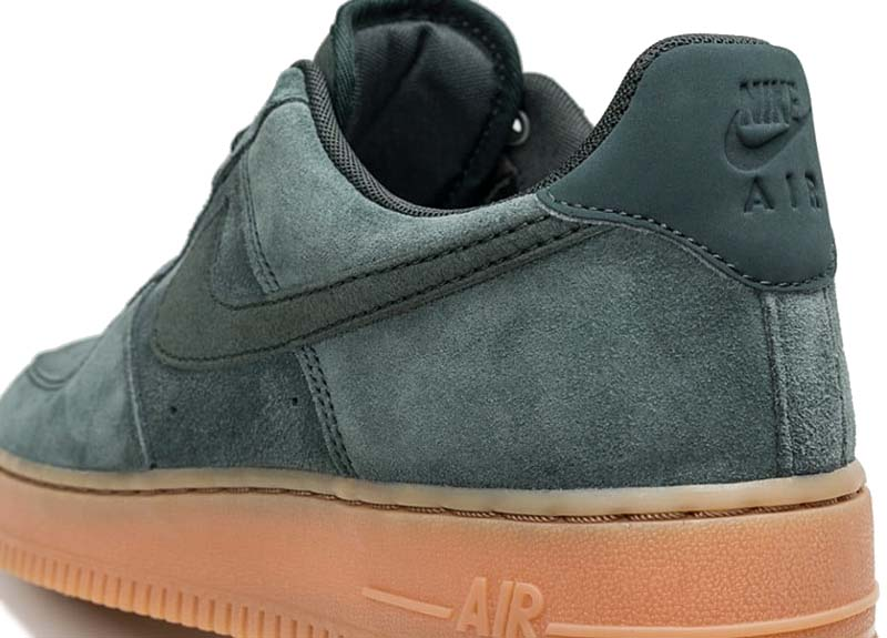 NIKE AIR FORCE 1 07 LV8 SUEDE [OUTDOOR GREEN / OUTDOOR GREEN] aa1117-300