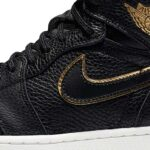 NIKE AIR JORDAN 1 RETRO HIGH OG [BLACK / METALLIC GOLD-SUMMIT WHITE] (555088-031)