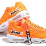 ナイキ エアマックス95 SE JUST DO IT. 「オレンジ/ホワイト/ブラック」 (AV6246-800)