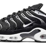 NIKE AIR MAX PLUS [BLACK/WHITE-BLACK-RFLCT SILVER] (852630-038)