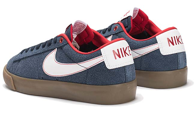 NIKE SB BLAZER LOW GT [OBSDN / WHITE-UNVRSTY RED-GM LGHT] 704939-402