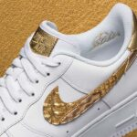 "NIKE AIR FORCE 1 LOW CR7 ""GOLDEN PATCHWORK"" [WHITE / WHITE-METALLIC GOLD] (AQ0666-100)"
