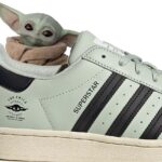 STAR WARS x adidas SUPERSTAR The Mandalorian The Child [LINEN GREEN / CORE BLACK / CREAM WHITE] (GZ2751)